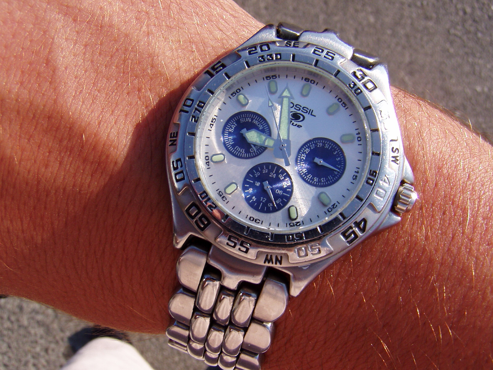 How to wear a watch, Fossil, Which Side Suits You